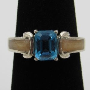Vintage Size 6.25 Sterling Unique Blue Topaz Ring
